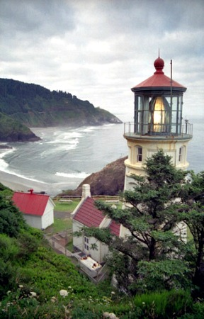 Haceta Head Lighthouse, Oregon, photo courtesy lighthousefriends.com
