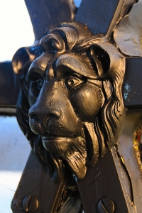 Lion head detail on the lantern astragal, Girdie Ness Lighthouse,, photo by Ian Cowe